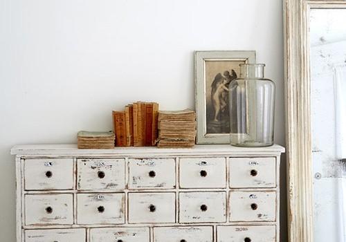Que color elegir para pintar muebles de madera for Pintura de muebles de madera