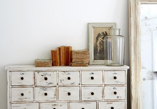 que color elegir para pintar muebles de madera. Black Bedroom Furniture Sets. Home Design Ideas