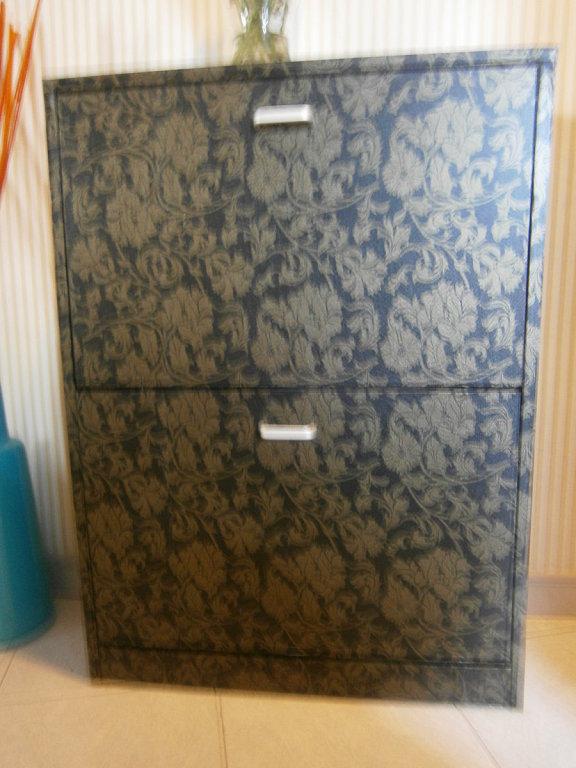 Papel adhesivo muebles for Papel pintado para forrar muebles